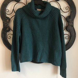 NWT target sweater- size Small- GREEN